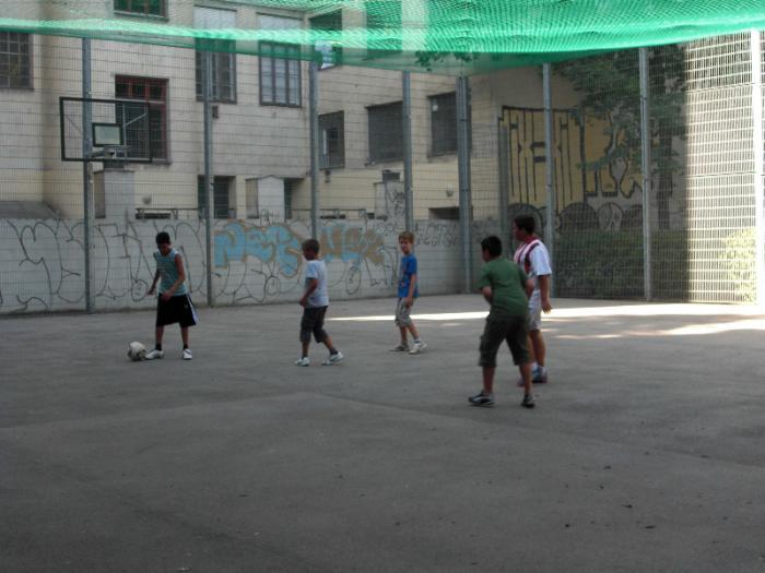 fussballturnier-und-muellfest-im-stumperpark-am-21-08-2012-030