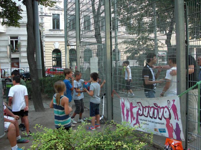 fussballturnier-und-muellfest-im-stumperpark-am-21-08-2012-039
