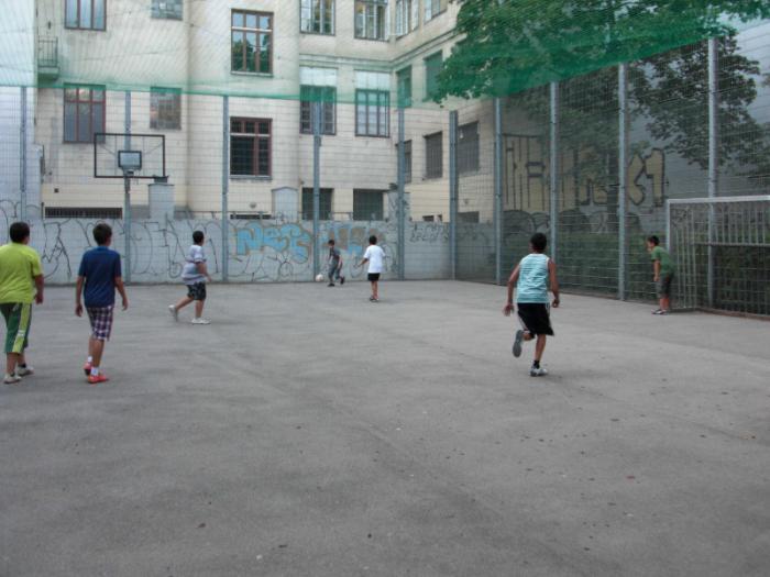 fussballturnier-und-muellfest-im-stumperpark-am-21-08-2012-055