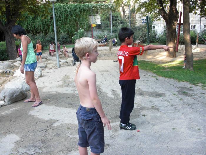 fussballturnier-und-muellfest-im-stumperpark-am-21-08-2012-090