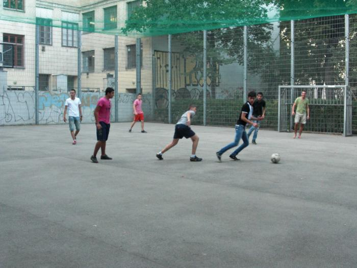 fussballturnier-und-muellfest-im-stumperpark-am-21-08-2012-098